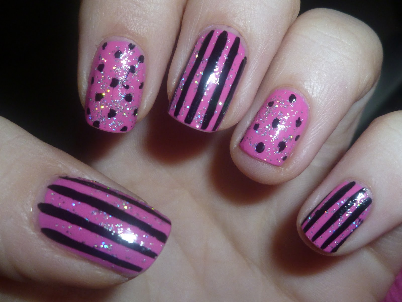 Beautiful Pink Black Lined Theme - Nail Art