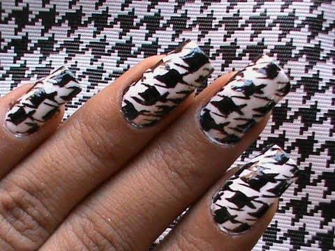 Black and White Stylish Tooth Print