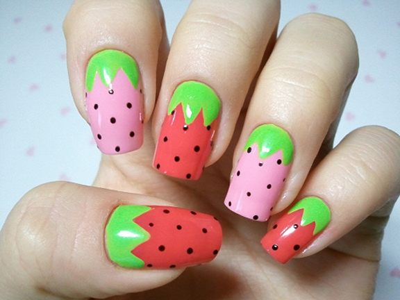 Fruity and Juicy Strawberry Nails