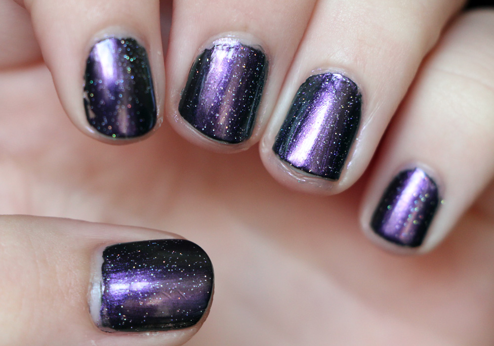 Purple Glossy Design for Pampered Fingers