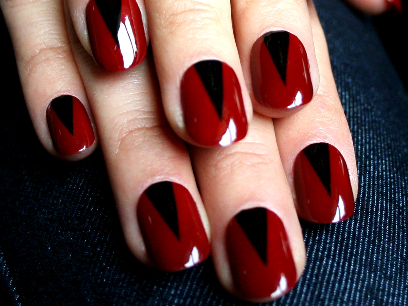 Red Hot Nails with Sexy Black Combo