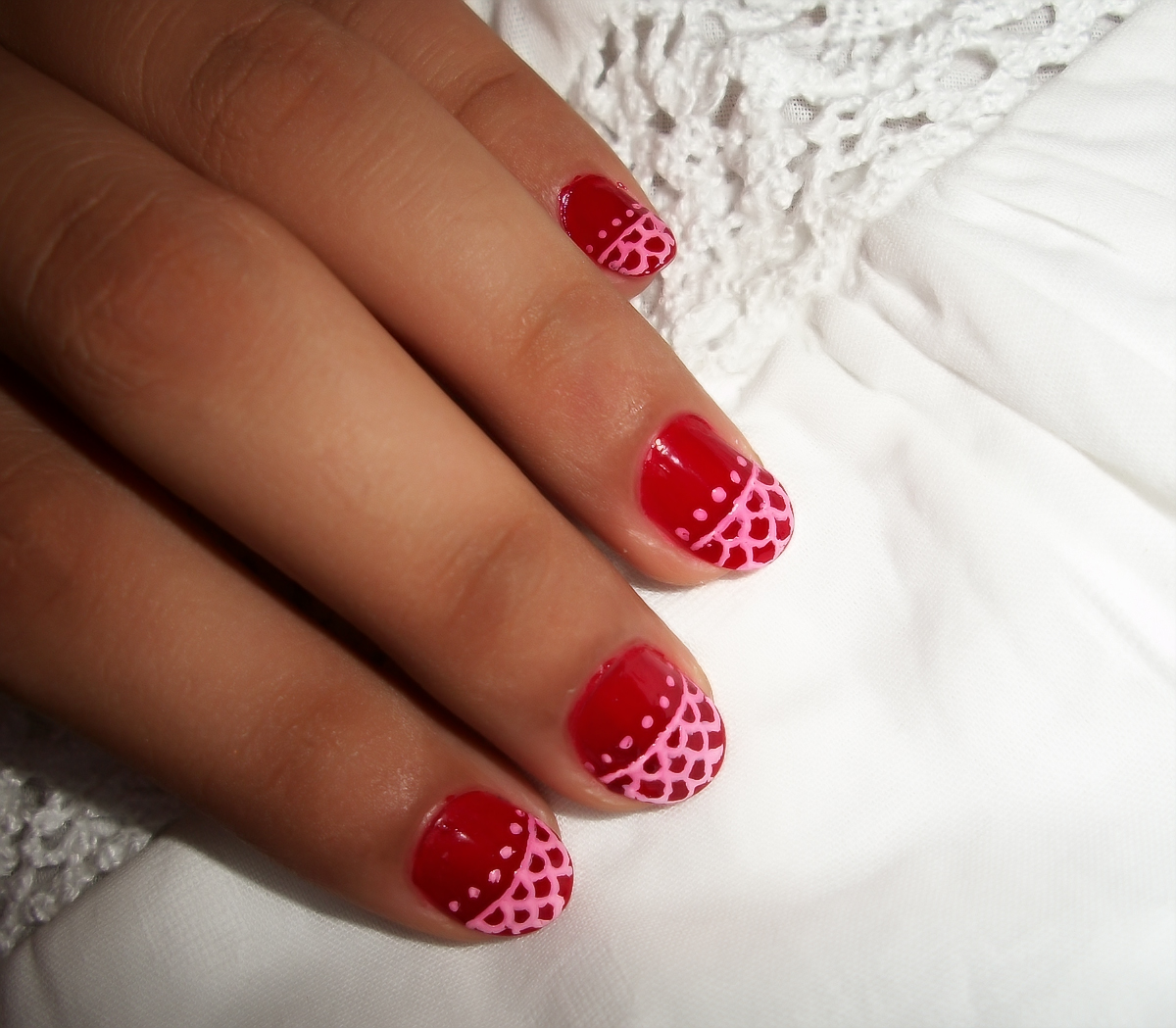 Red Nail Art for Small Nails