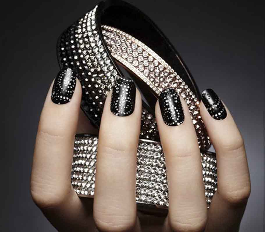 The Oh So Glamorous Look With Any Color Nail Art