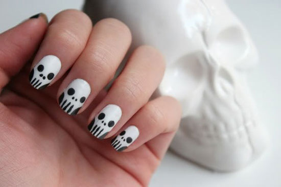 Trick Or Treat Nail Art